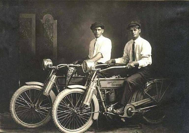 1.-William-Harley-and-Arthur-Davidson-1914
