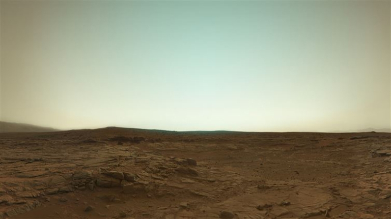 Mars-in-true-color-from-the-Curiosity-Rover